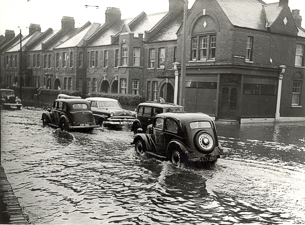 Flooding-Chingford-Road-Penrhyn-Cres-1956
