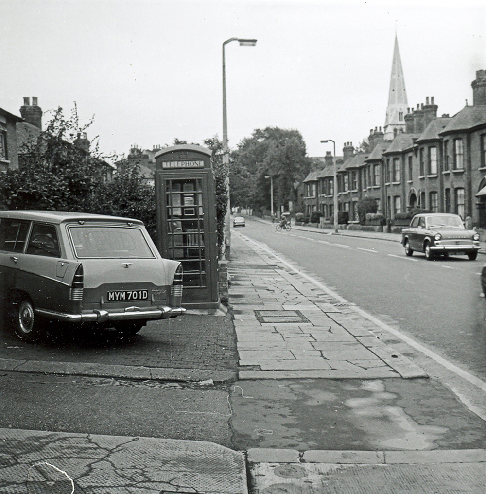 Markhouse Road old car